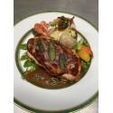 La pièce de veau française en saltimbocca, jus à la sauge, galettes de polenta aux cèpes et petits légumes
