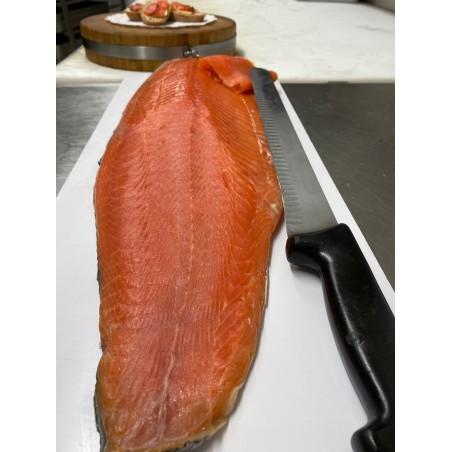 Le saumon fumé maison 68,20 €/kg [le prix vous sera communiqué et à régler à la livraison]