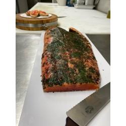 Le saumon mariné maison 68,20 €/kg [le prix vous sera communiqué et à régler à la livraison]