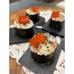 Sushi au crabe et mayonnaise au sésame