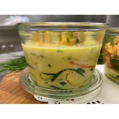 La soupe de moules et coques au safran et sa julienne de légumes frais