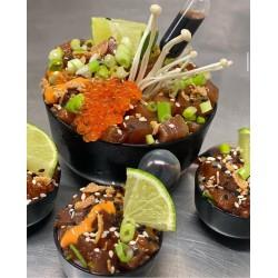 Le mini poke bowl de thon mariné et algues nori